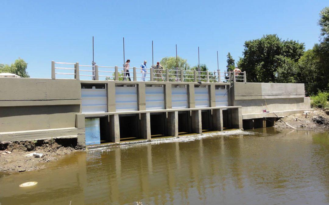Puente y Compuerta Arroyo Doña Flora